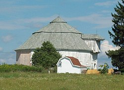 Gamel Hexadecagon Barn Aug 10.JPG