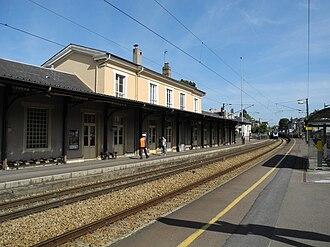 Vernon - Giverny Station - Platforms