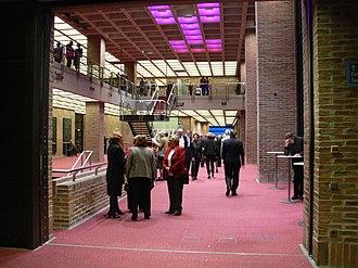 Gasteig - Image: Gasteig Foyer 2