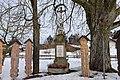 Gedenkstein mit Kruzifix.jpg
