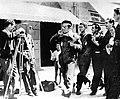 Gonzalo Menéndez Pidal graba a Lorca y otros miembros de La Barraca en la Calle Capitán Galán (Calle Príncipe) de Vigo en agosto de 1932.jpg