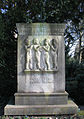 Grabmal Wilhelm Rodewald 1866-1926, dem großen Sängerführer gewidmet vom Verband niedersächsischer Männergesangsvereine, Stadtfriedhof Engesohde, Hannover.jpg