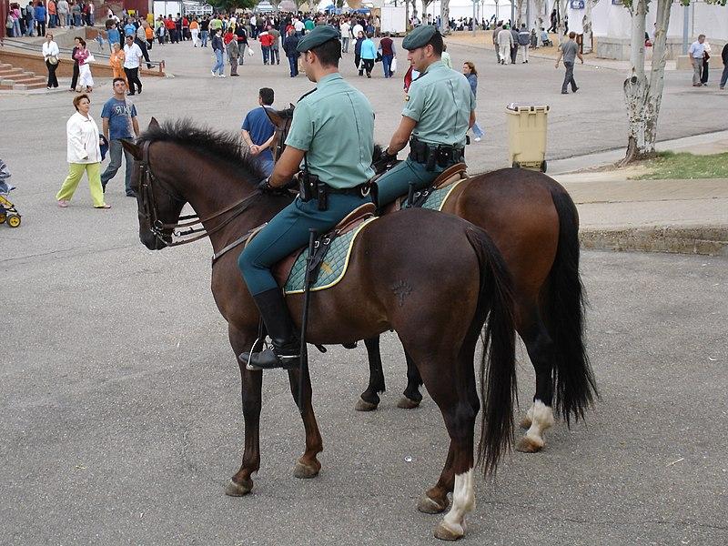 File:Guardia Civil a caballo.jpg