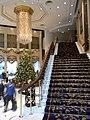 HK ISL Island Shangri-La Hong Kong 港島香格里拉酒店 hotel stairs n ceiling lamp Dec-2012.JPG