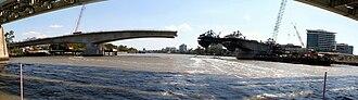 Go Between Bridge - Image: Hale Street Link Construction 6