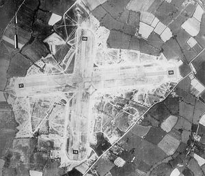 Headcorn-11may44.jpg