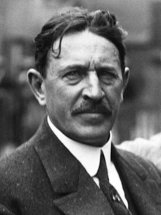 Henri Fournier - Image: Henri Fournier at the 1914 French Grand Prix (3) (cropped)