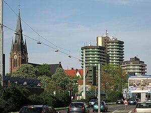 Herne, Blick auf Europaplatz mit Kreuzkirche, im Vordergrund links LWL-Museum