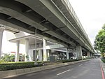 Highway 1 and Xinzhuang Fuduxin Station 20160621.jpg