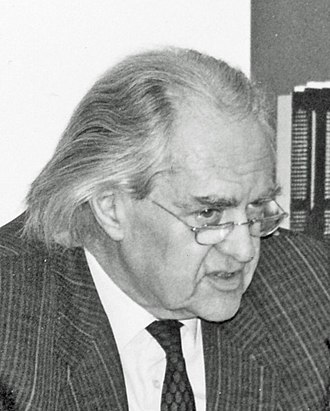 Hilmar Hoffmann - Hoffmann in April 1989