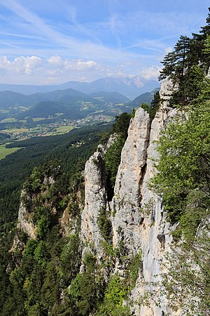 Hohe Wand (mountain) - Wildenauersteig between Wildenauertower and Hochfallwall