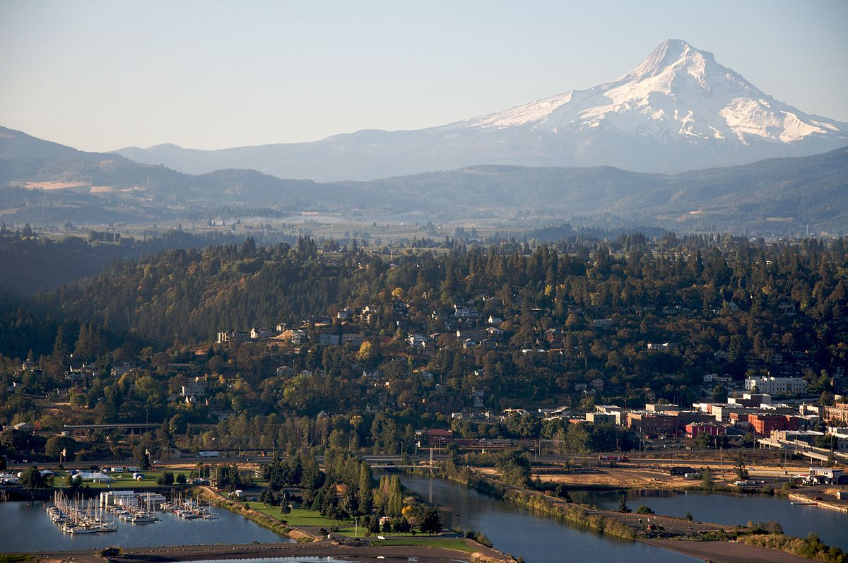 the hood river