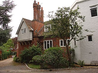 Coombe, Kingston upon Thames - Image: House in Coombe Hill Road, Coombe geograph.org.uk 31735