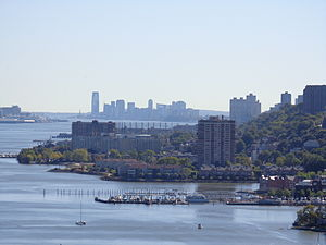 Hudson Waterfront - Image: Hudson Waterfront Ft Lee 2Jersey C