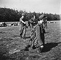Inleveren van wapens door de Duitsers Het wapendepot in Soest, waar de Duitsers, Bestanddeelnr 900-3061.jpg