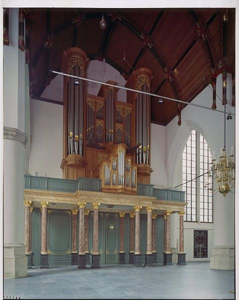 Bestand interieur overzicht van de westgevel met het - Makers van het interieur ...