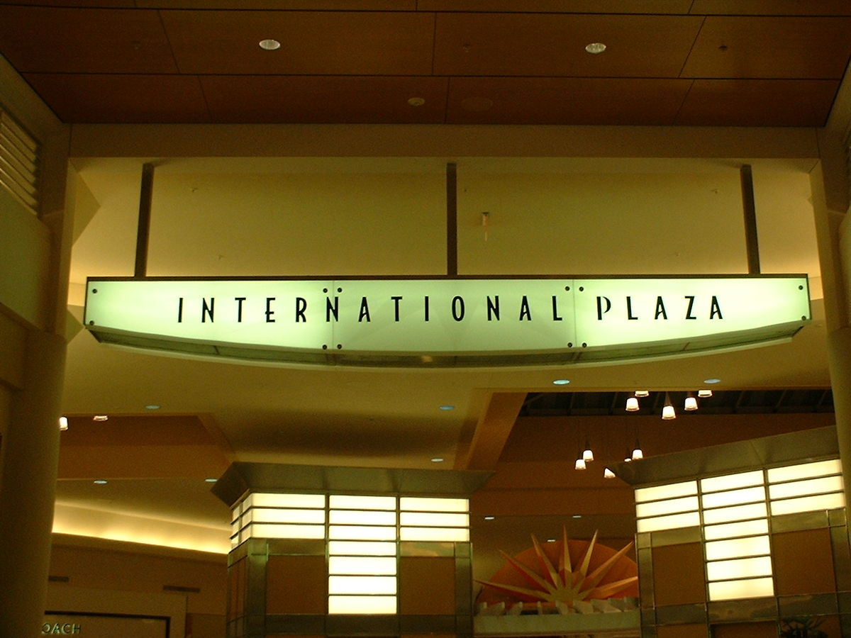 International Plaza is a office complex in Tampa, Florida, U.S.A.. View a detailed profile of the structure including further data and descriptions in the Emporis database.