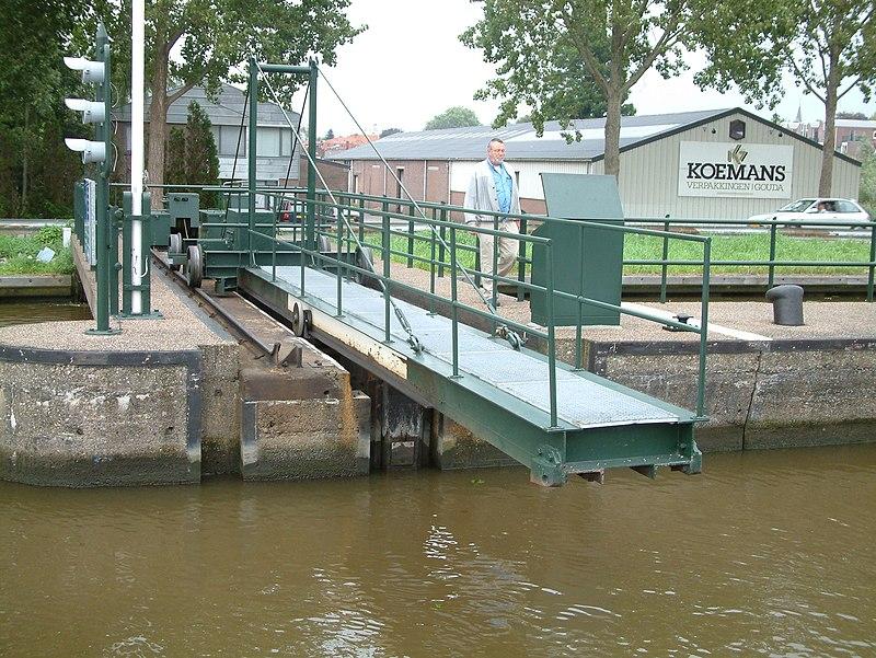 Geliefde Ir. De Kock van Leeuwensluis in Gouda | Monument - Rijksmonumenten.nl VX-64