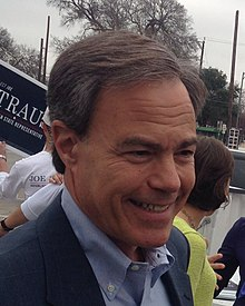 Joe Straus voting (cropped).jpg