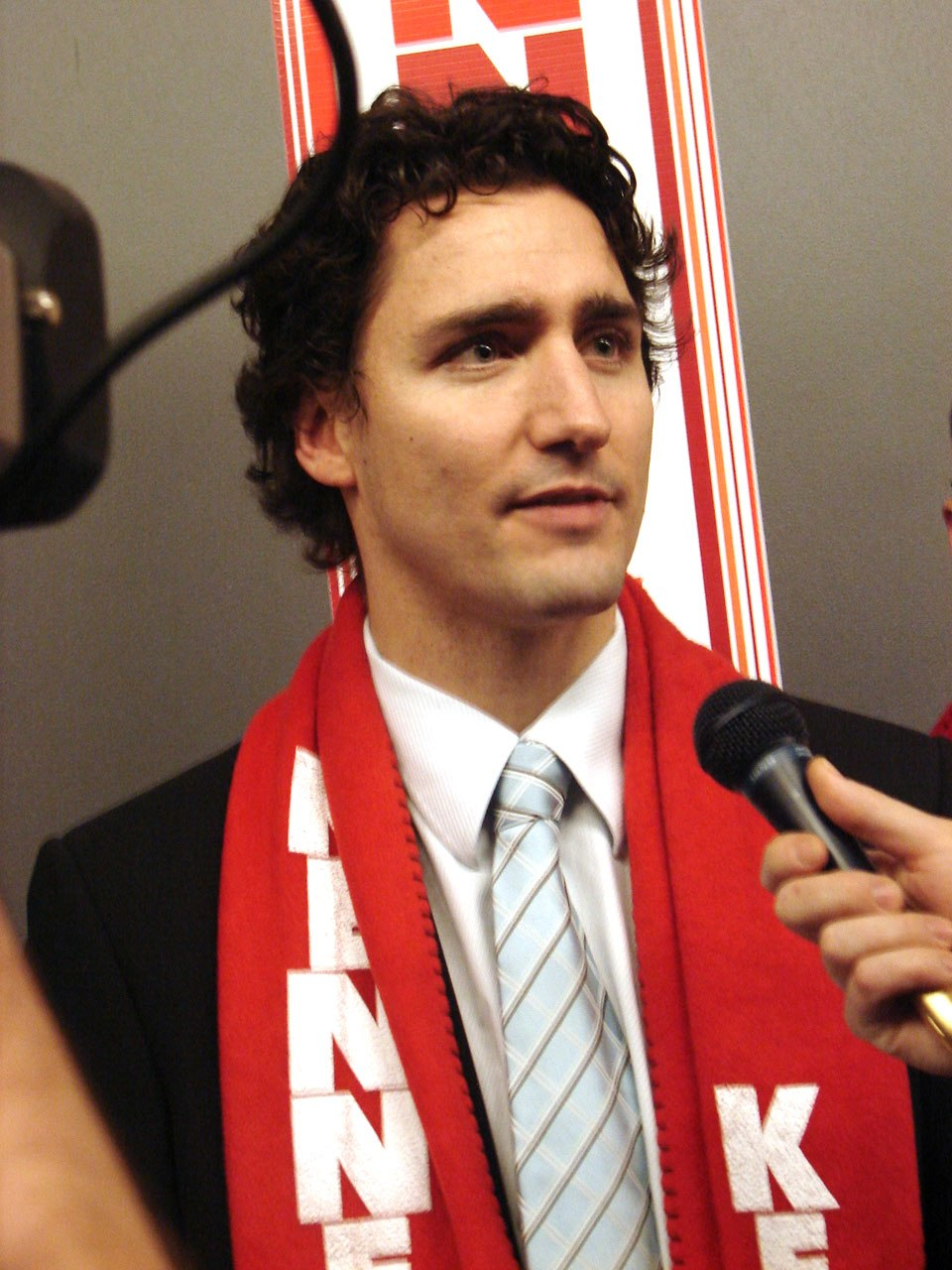 Justin Trudeau supporting Gerard Kennedy 2
