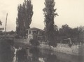 KITLV 100471 - Unknown - House on a river, presumably in Kashmir in British India - Around 1870.tif