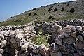 Kalksteinwände auf der Insel Krk, Primorje-Gorski Kotar County, Kroatien.jpg