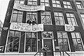 Kantoor van Sociale Zaken bezet als actie tegen de Haag politiek die de gemeente, Bestanddeelnr 933-2774.jpg