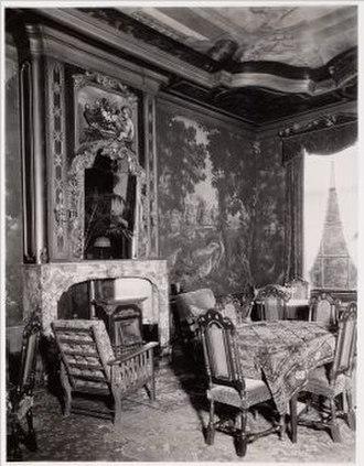 Keizersgracht 143 - Interior of Professor Ursul Philip Boissevain's house, about 1914