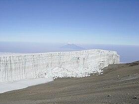 Kibo-großer Gletscher(big glacier).jpg