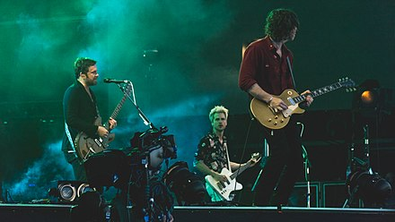 Kings of Leon in 2017 KoLHydePark060717-12 (35023518513).jpg