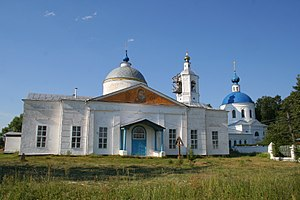 Kosteryovo - Church of the Holy Trinity (left), and Church of the Exaltation of the Cross in Kosteryovo