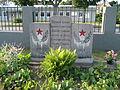 Löcknitz-Sowjet.-Ehrenfriedhof-Massengrab-Nr.-2-(Nordseite, rechts)-IMG 1074.JPG