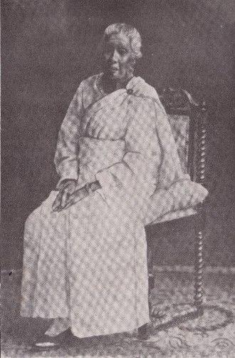 Don Carolis Hewavitharana - Lady Mallika Dharmagunawardhana.