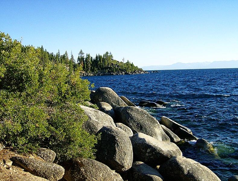 File:Lake Tahoe - panoramio (5).jpg