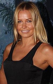 Lara Worthington fashion model