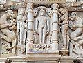 Le temple de Parshvanath (Khajuraho) (8637288935).jpg