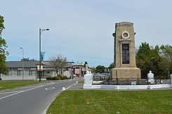 Leeston War Memorial and Main Street.JPG