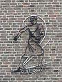 Lent - Gevelsculptuur op de muur van het parochiecentrum.jpg