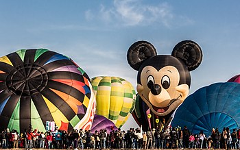 Leon international hot air ballon festival nov 2012.jpg