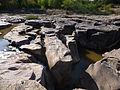 Les roches des cascades de l'Aille, plaine des Maures.JPG