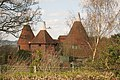 Lewcross Oast, Wellers Town Road, Chiddingstone, Kent - geograph.org.uk - 1242575.jpg