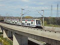 Ligne de Nanterre a Sartrouville - viaduc de Nanterre - MI2N - Avril 2012 (3).jpg