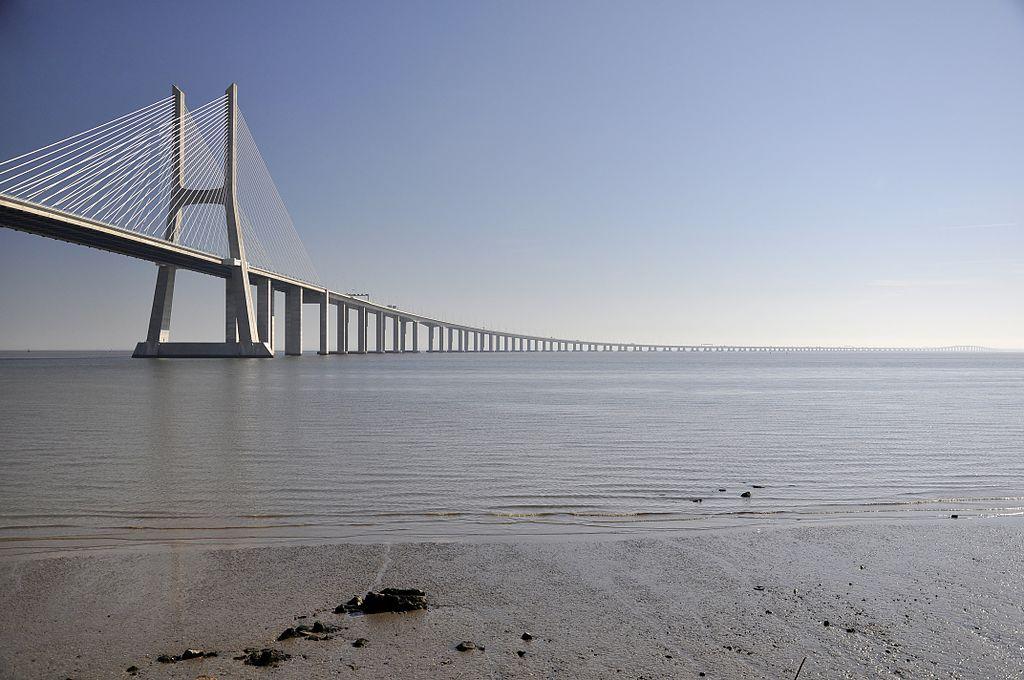 Portugalsko zaujímavosti - najdlhší most v Európe (Vasco da Gama)