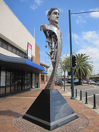 Liverpool, New South Wales - Statue of Lachlan Macquarie, Memorial Avenue