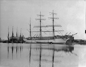 Loch Linnhe (ship, 1876) - NMM P70293.jpg