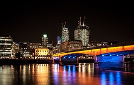 London Bridge (9691084663).jpg