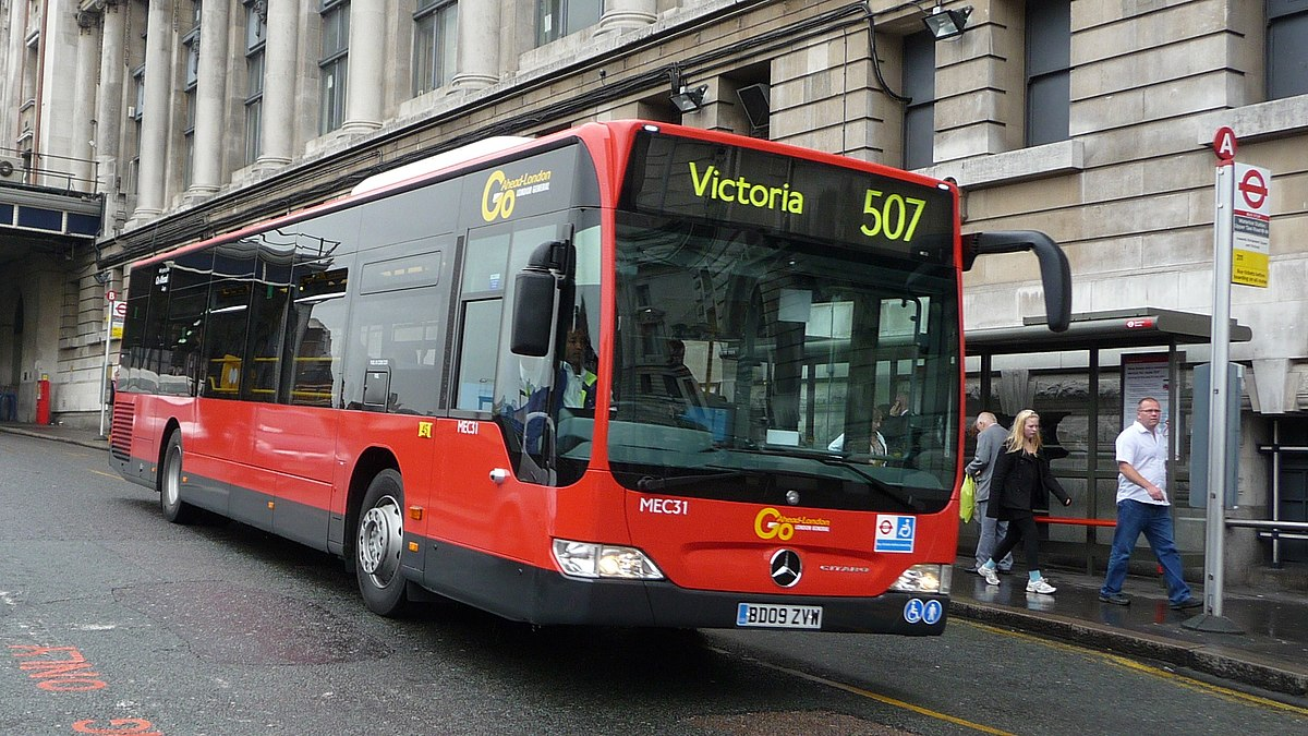 London buses route 507 wikipedia - Mercedes benz garage london ...