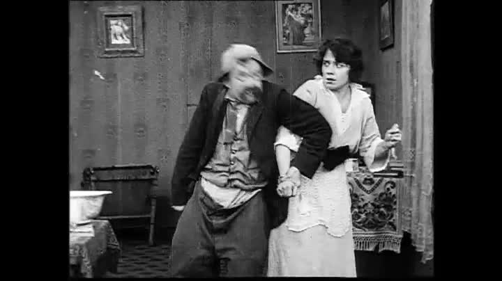 فایل:Love, Speed and Thrills - Walter Wright - 1915, Keystone Film - EYE FLM39508 - OB 685625.webm