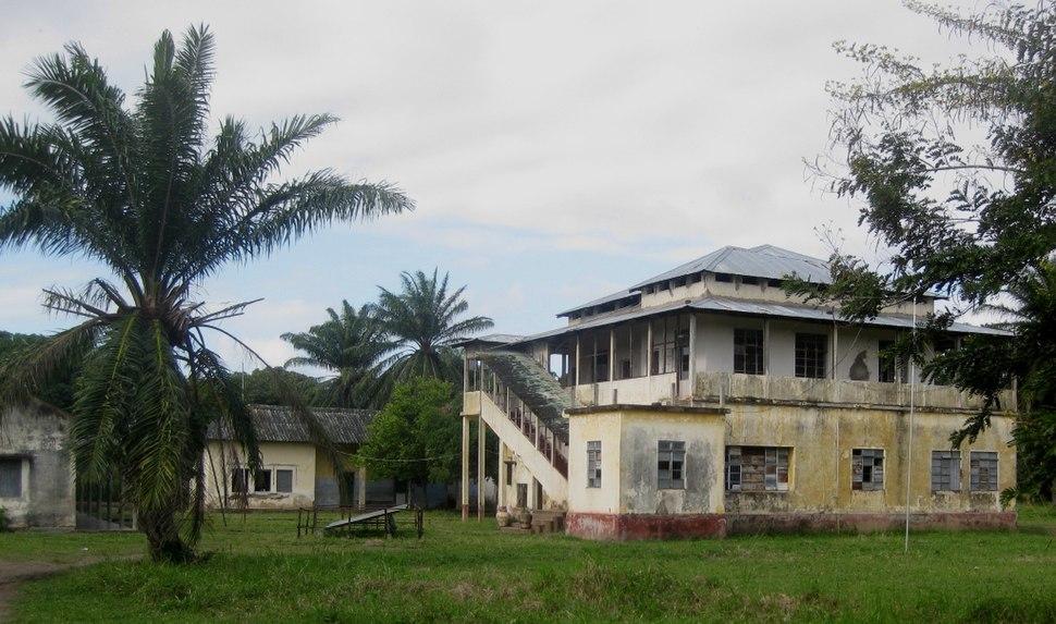 Luabo hospital (4754619071)