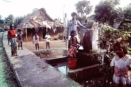Madras-India-slums-1980s-IHS-12-Water-tap.jpeg